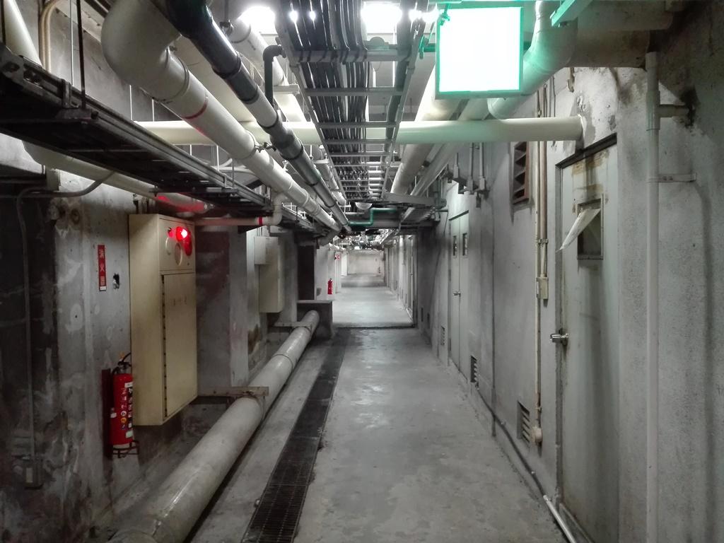 滋賀県庁の地下通路に潜入した