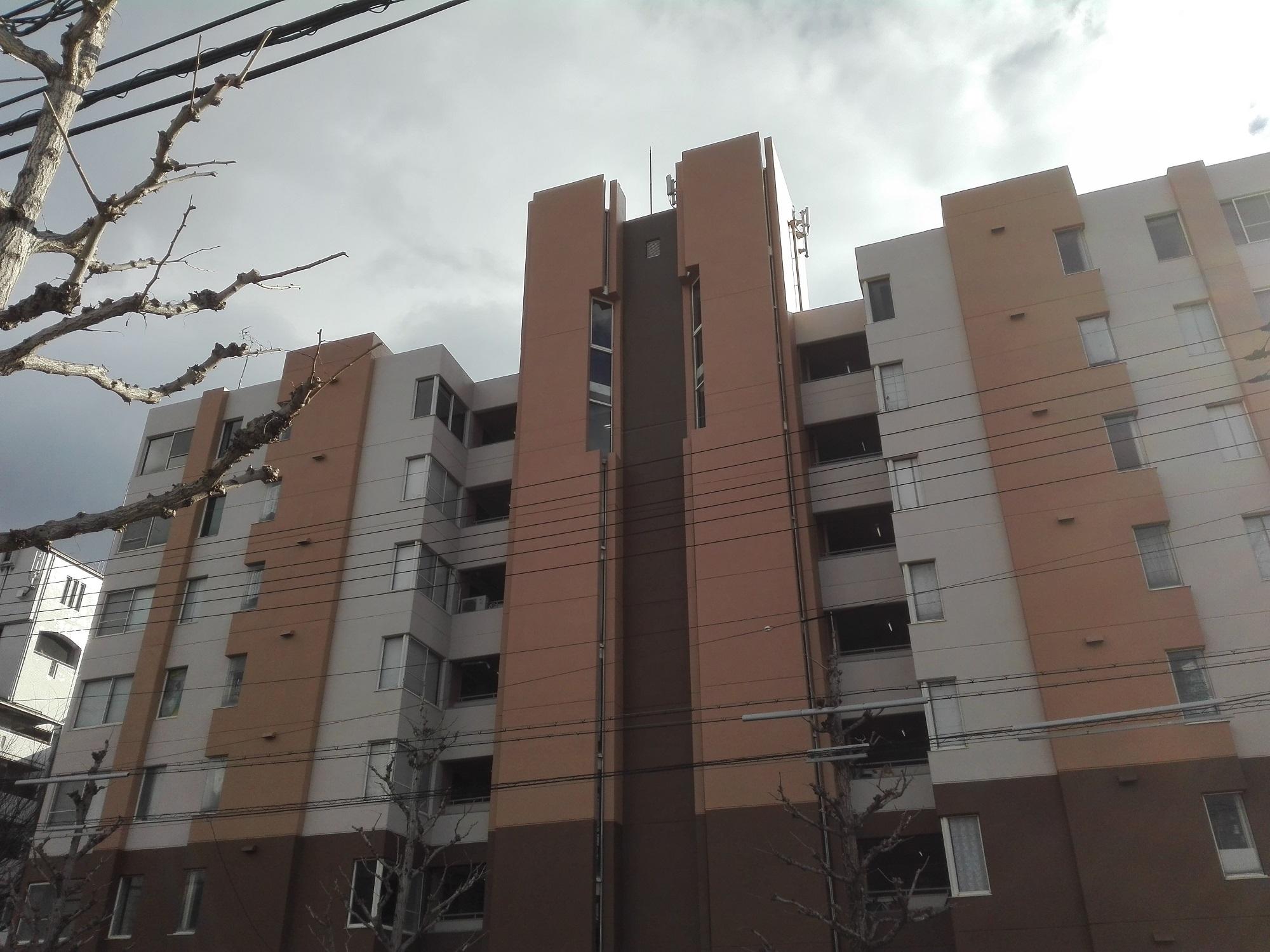 京都の心霊マンション「メタボ広沢」を訪れた しかし壁の塗り替えで怖くなくなっていた