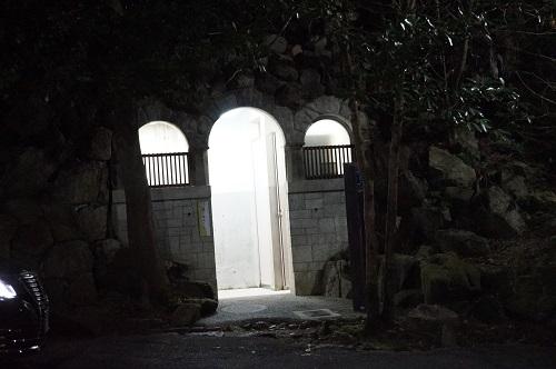 心霊スポット 円山公園の奥のトイレ