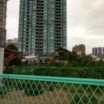 タワマンとの格差が凄まじい~大阪・樋之口町の不法占拠集落を訪れた~